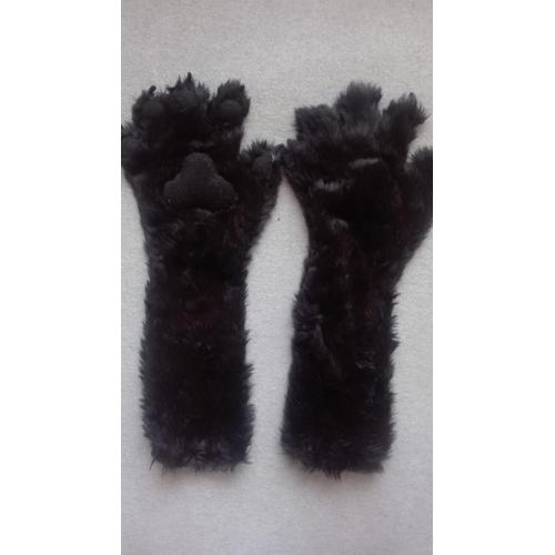Long hand paws with finger slits