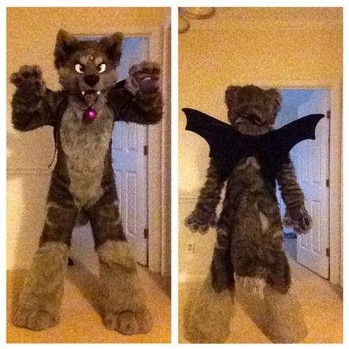 Selling DontHugCacti suit + character rights